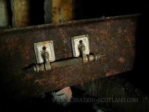 Dunmore - coffin handle