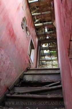 Balnowlart - to the Butler's bedroom